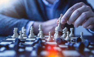Twitter 20200519 Chess Playing
